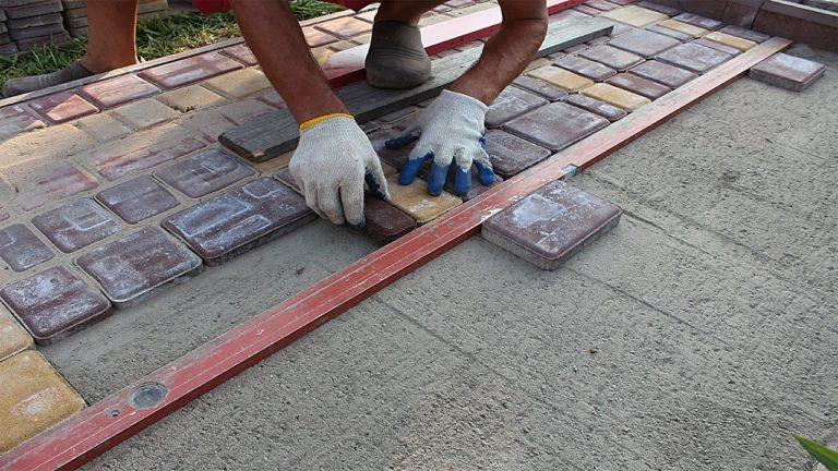 Как правильно класть плитку на бетонную основу